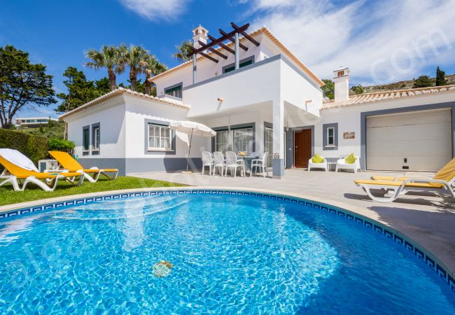 Villa/Dettached house in Luz - Jardim Secreto | professionally cleaned | 4-bedroom detached villa | very close to the beach