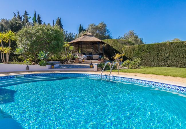 Villa/Dettached house in Carvoeiro - Casa Piablo | professionally cleaned | 3-bedroom villa | large garden | outdoor living areas